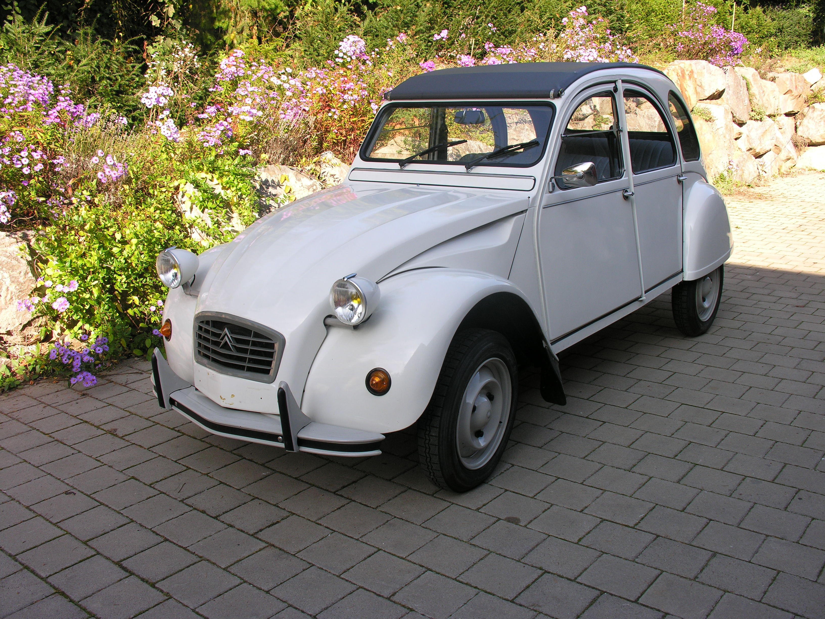 pi ces d tach es 2cv et mehari derni re 2cv neuve ami de la 2cv. Black Bedroom Furniture Sets. Home Design Ideas