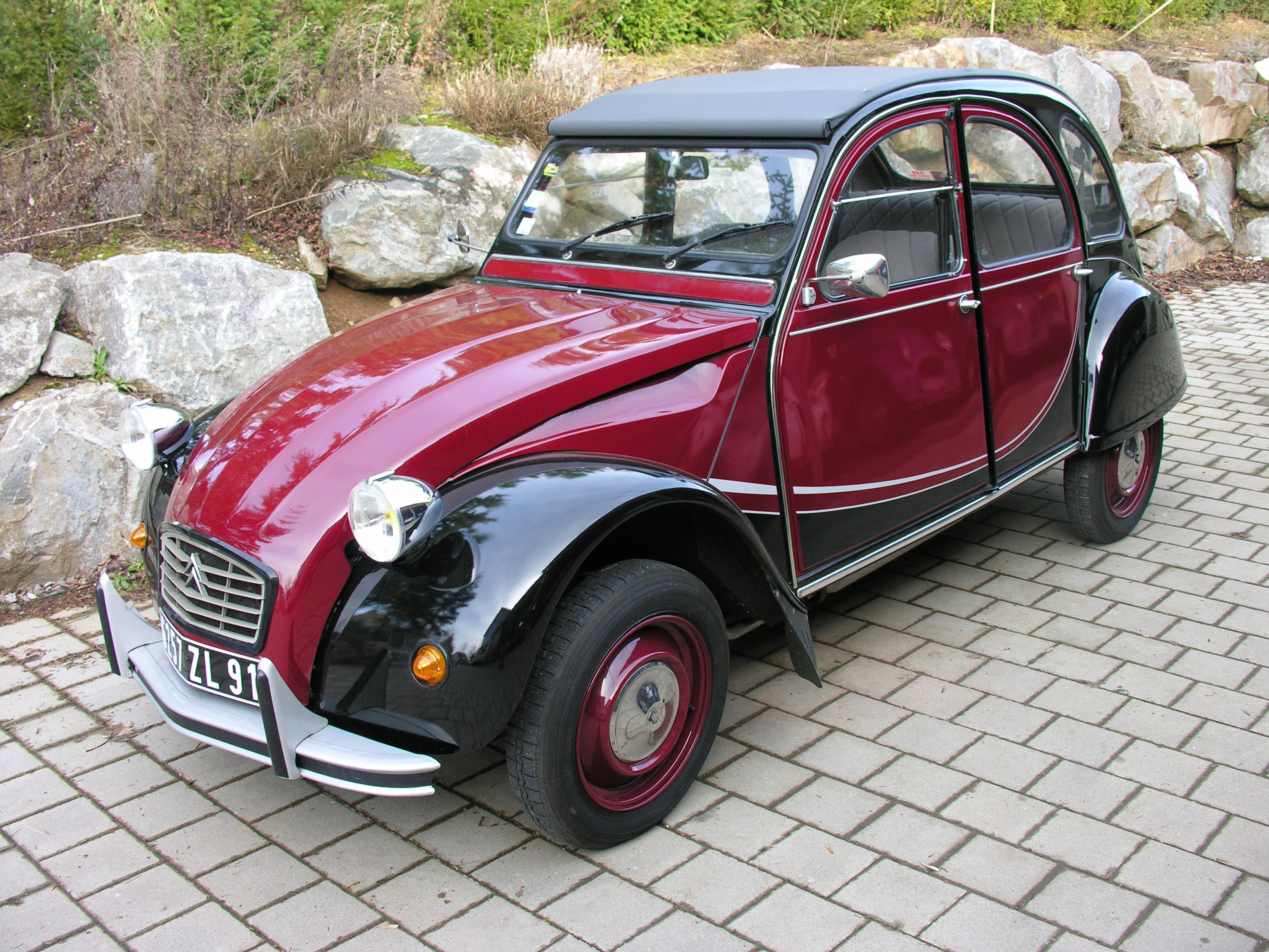 pi ces d tach es 2cv et mehari location 2cv avec chauffeur ami de la 2cv. Black Bedroom Furniture Sets. Home Design Ideas